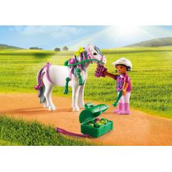 Groomer with Heart Pony.